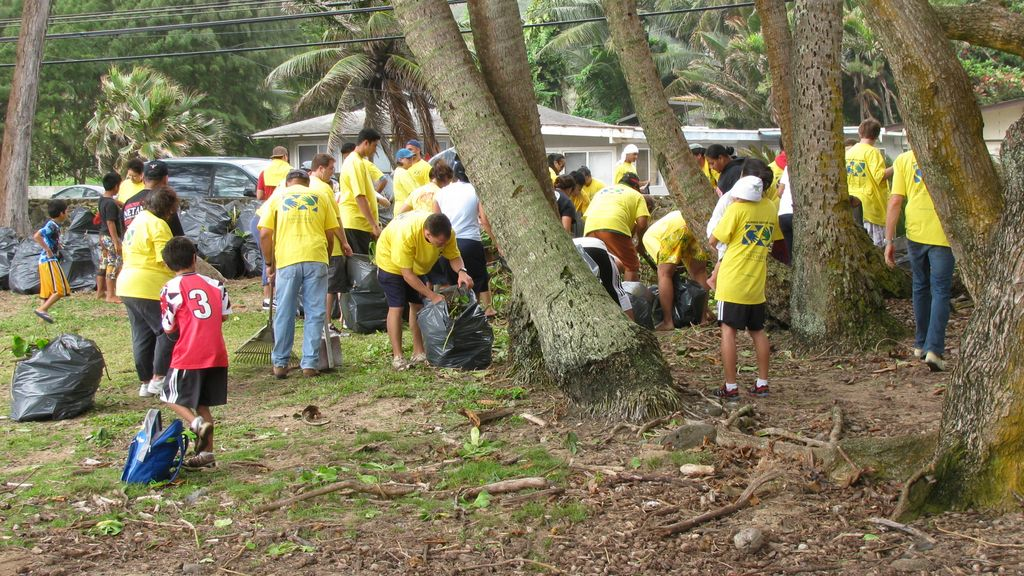 Mormon Helping Hands cleaning beaches, Oahu, Hawaii